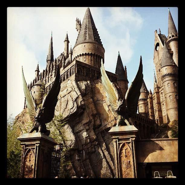 [Picture] 130619 Taeyeon Instagram Update: '♥_♥!! #Hogwarts #Harrypotter'