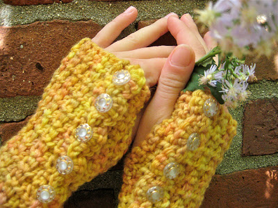 free crochet pattern wrist warmers