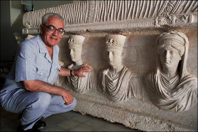 Ο ISIS αποκεφάλισε αρχαιολόγο και κρέμασε το πτώμα στην πλατεία