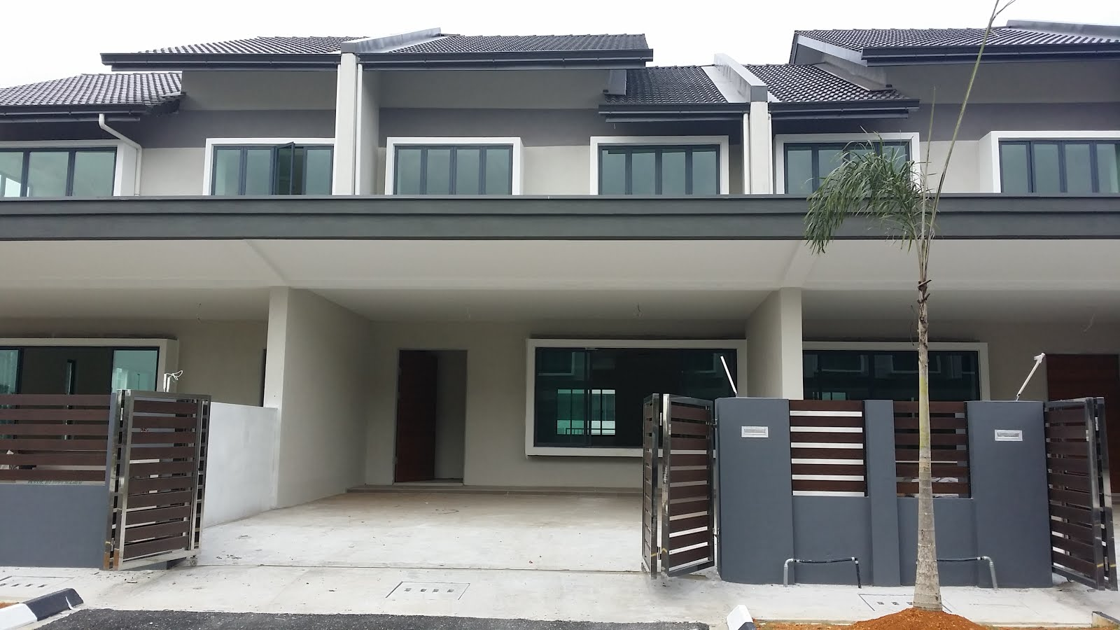 Kuching property and real estate sold new double storey for Terrace house 1