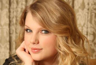 Taylor Swift Artis Muda Paling Seksi