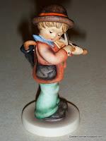 """""""Little Fiddler"""" Hummel #426"""