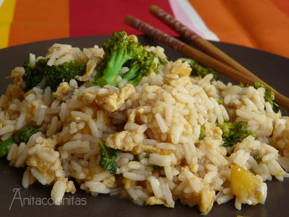 Salteado de arroz oriental con br coli y mango - Salteado de arroz ...