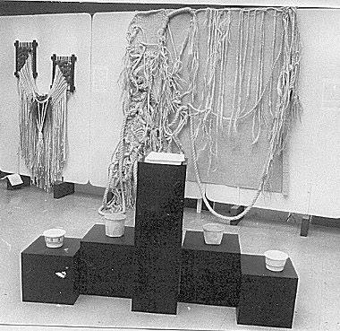 SILVA, Vivian. Instalação Performática na Arte Têxtil A Mão e a Máquina.