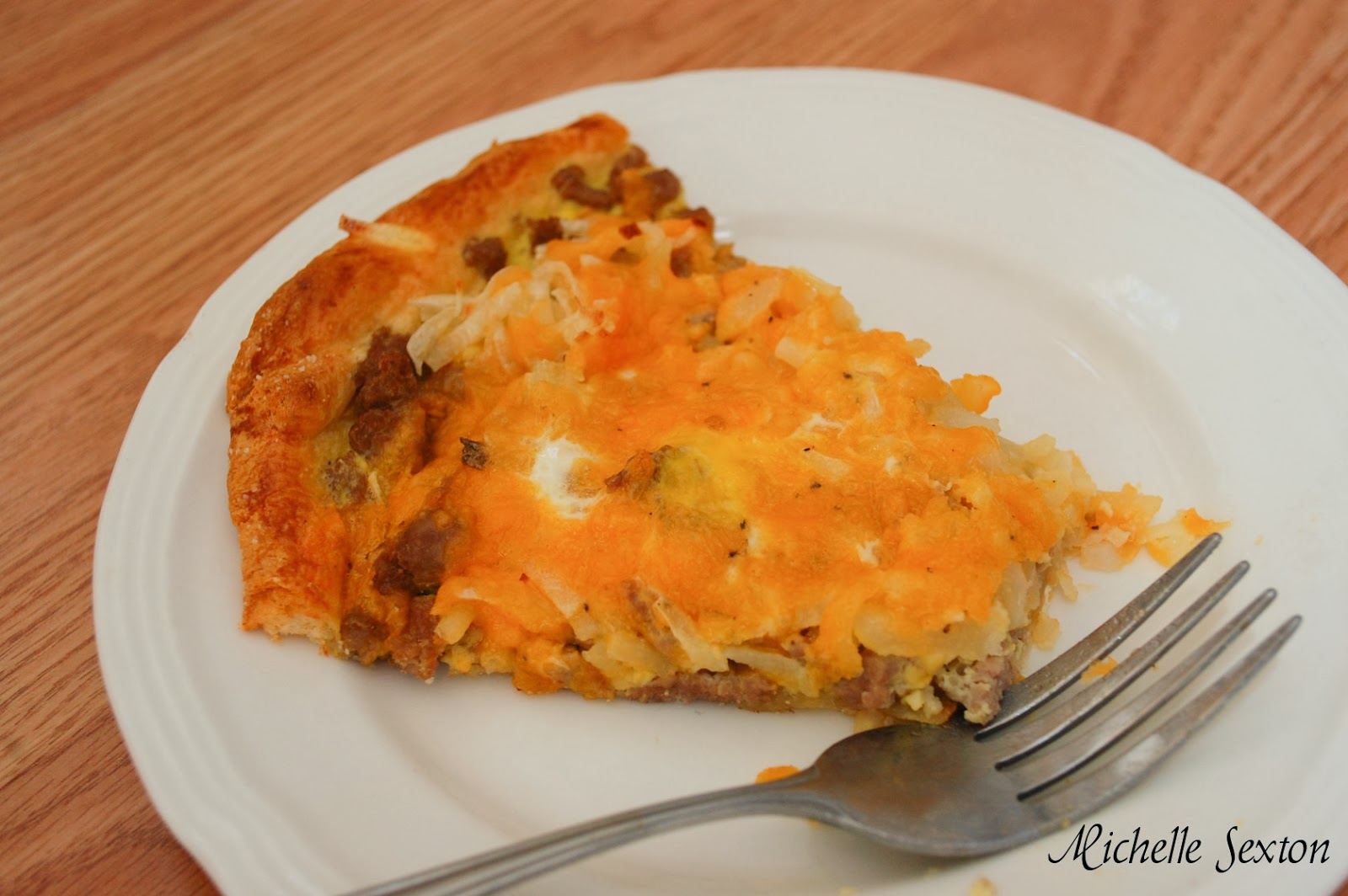 Breakfast Pizza Recipe - Don't miss it. Click through to learn how to make it.