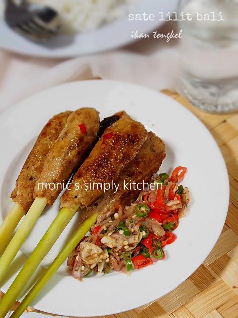 sajian kuliner bali sate lilit ikan tongkol