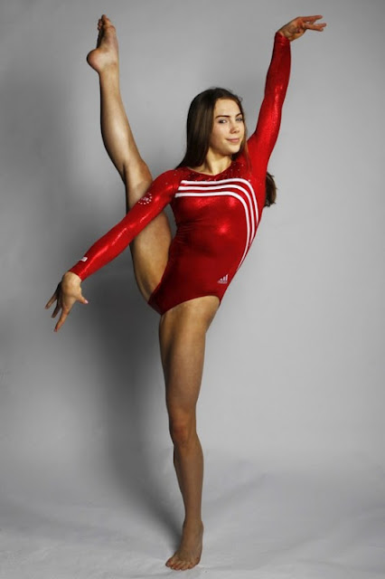 Mckayla_Maroney_Hot_6a-560x372