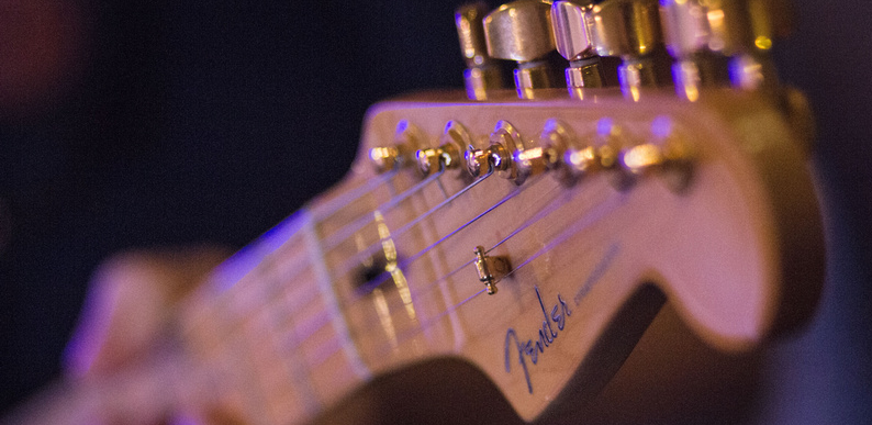 Mark West: Guitar