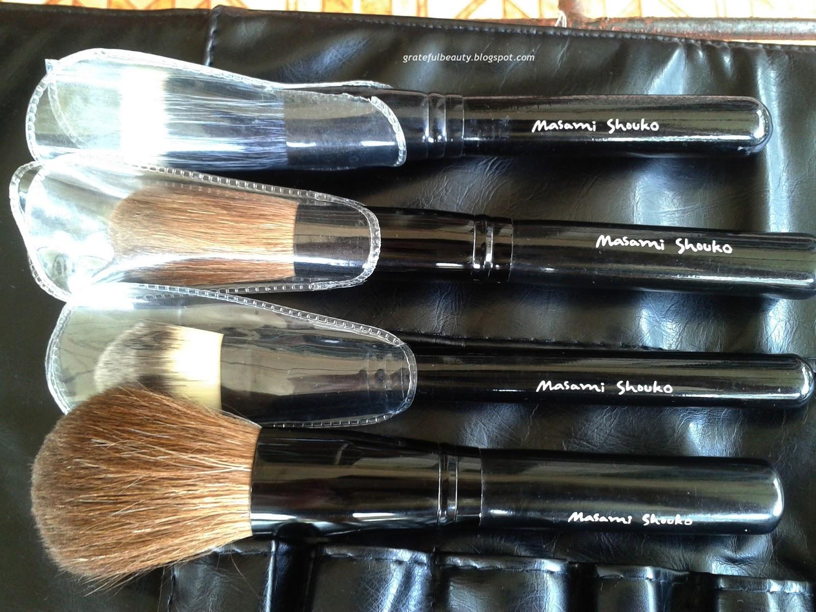 Good Brush Makeup Kornelia Luciana Kuas Lembut Make Up Brushnya Sekali Tidak Membuat Sakit Ketika Mengaplikasikan Dan Memiliki Pegangan Yang Kuat Paling Penting Dalam Memilih