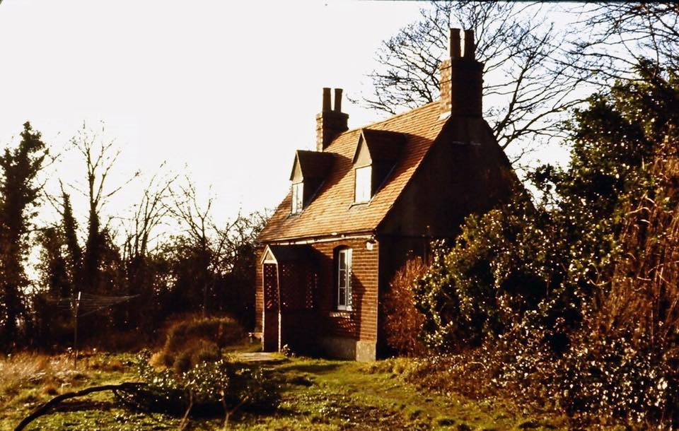 Cliffdene Cottage near The George