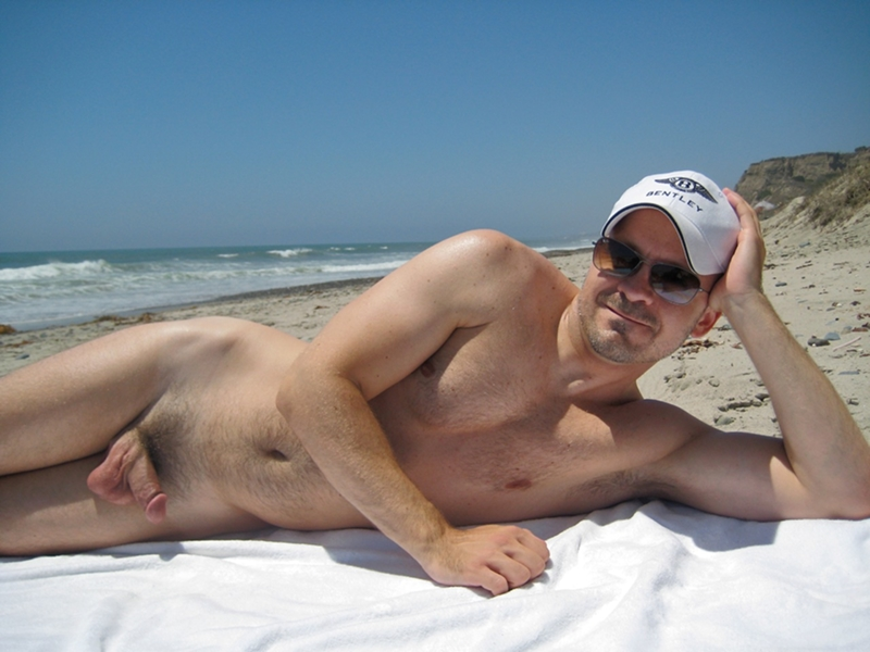 голые мужики на пляже подборка фото