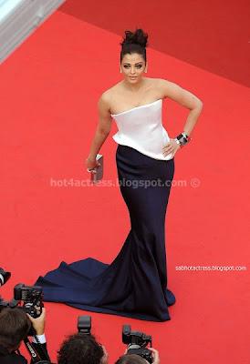 Aishwarya rai  low cut  dress