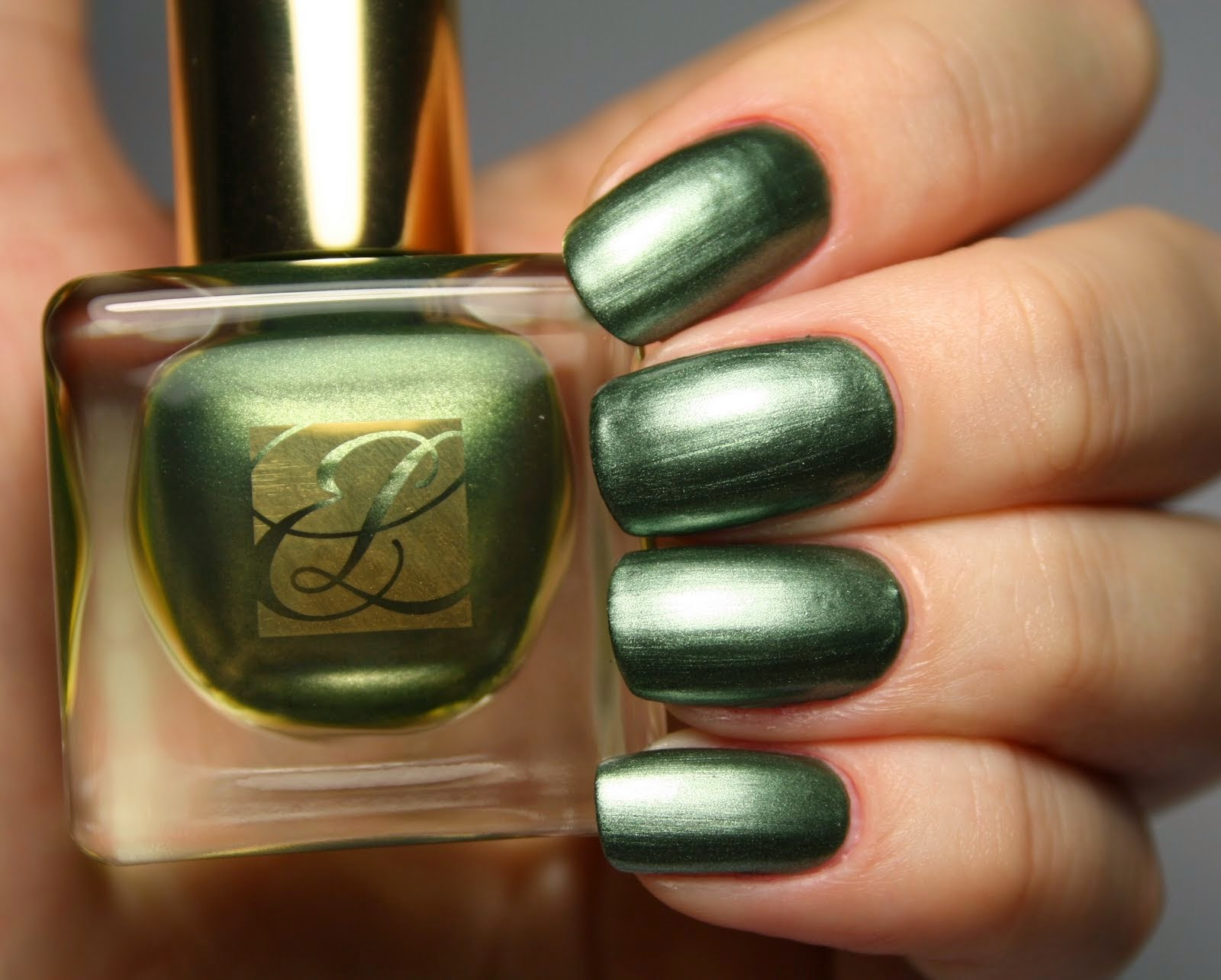 Vique\'s Varnish: Estee Lauder Pure Color 08 Metallic Green