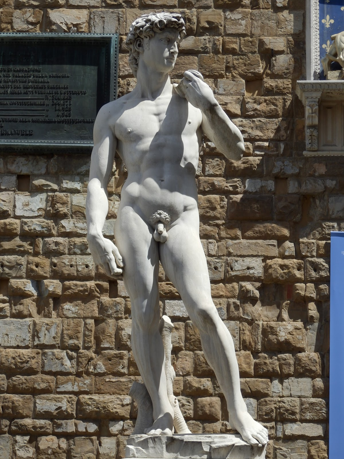 a brief biography of michelangelo Raphael, born raffaello sanzio  by the age of twenty-one, raphael had moved to florence, where he embraced the works of michelangelo and leonardo da vinci.