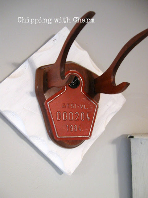Chipping with Charm: Faux Antler Mounts...www.chippingwithcharm.blogspot.com