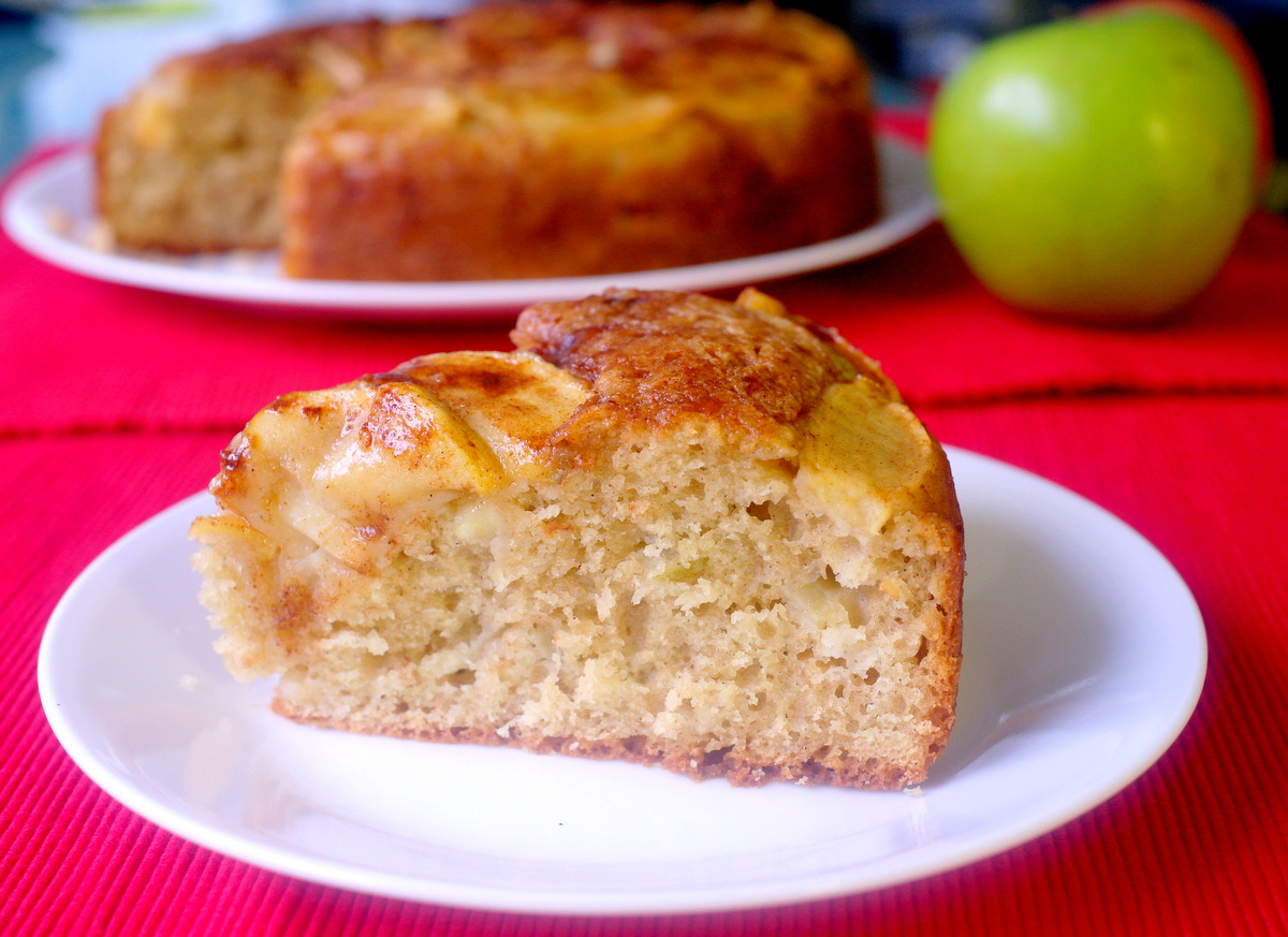 Around le globe: Apple tea cake