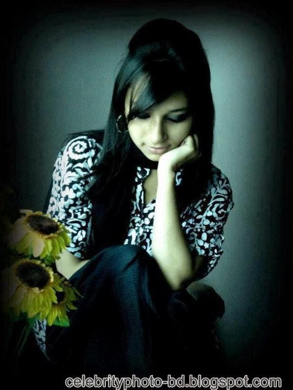 Ishana+facebook+Orginal+Picture+Collection011