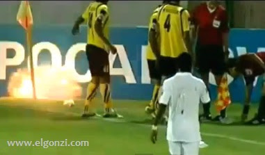 granada en un partido de futbol video