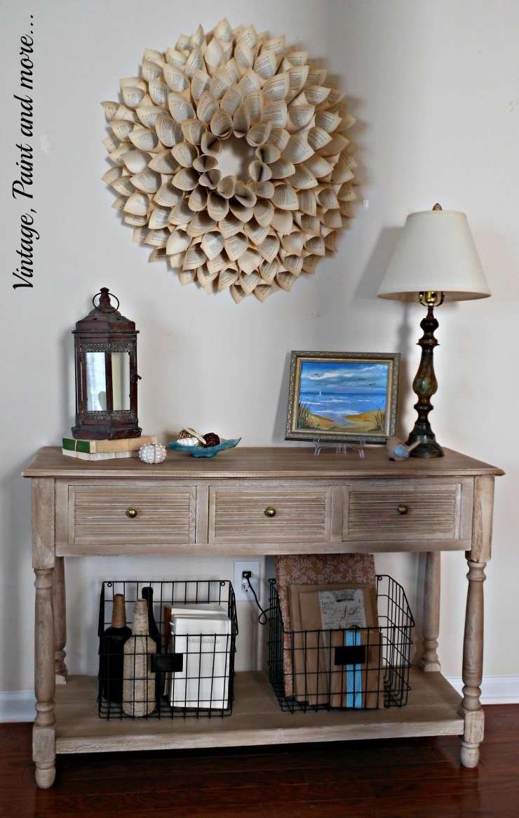 Small apartment entryway: personal project entry photo wall ...
