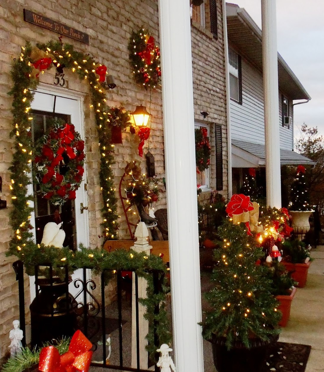 Christmas Front Porch and Yard, Christmas Home Tour 2015
