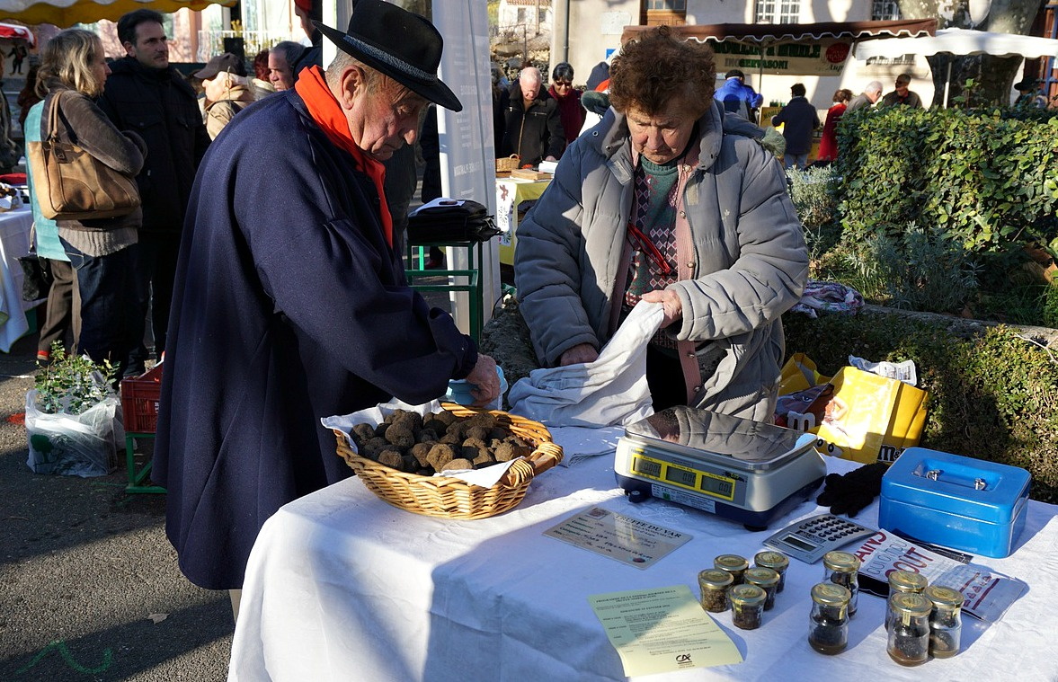 Truffle stand at Aups Festival
