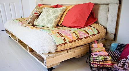 Beautiful Pallet Sofa Bed