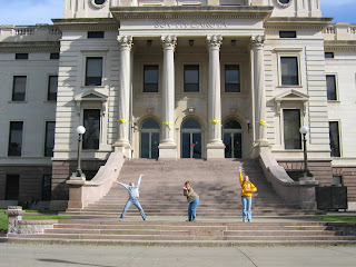 who doesn't make silly poses on capital steps