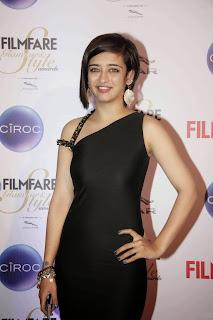 Akshara Haasan Pictures in Black Dress at Ciroc Filmfare Glamour Style Awards