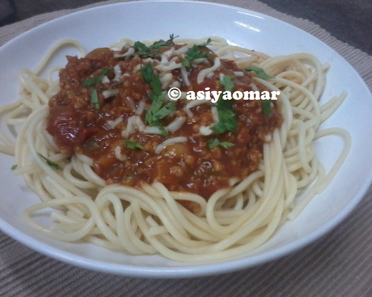 ... Happy Kitchen: Spaghetti Sauce with Ground Meat / Spaghetti Bolognaise