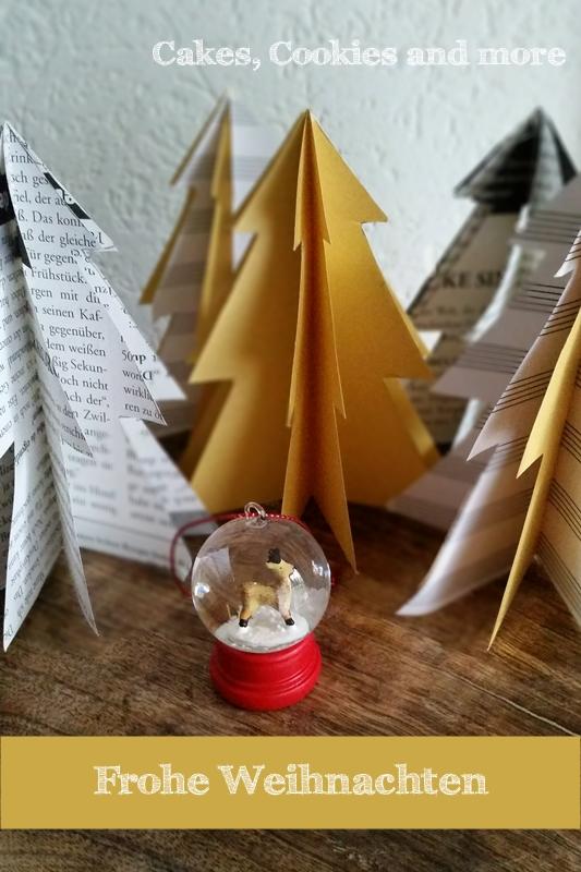 Tannen aus Papier für die Weihnachtsdekoration