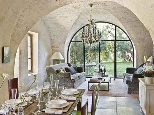 Comment Offrir Une Déco Moderne À Une Ancienne Maison?