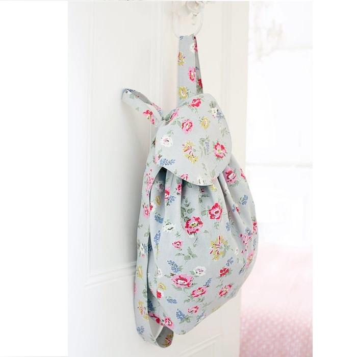 du fil et des aiguilles comment coudre un sac dos simple. Black Bedroom Furniture Sets. Home Design Ideas