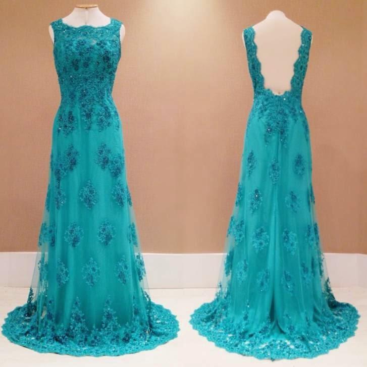 vestido de renda turquesa bordado