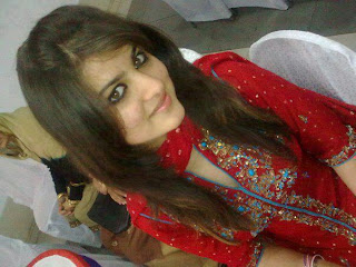 Facebook-punjabi-girl-in-redhot-salwar-shuit-dress