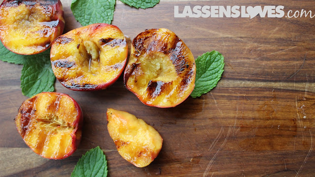 grilled+peaches, balsamic+peaches, peach+recipes, summer+recipes, BBQ+recipes, grilling+fruit