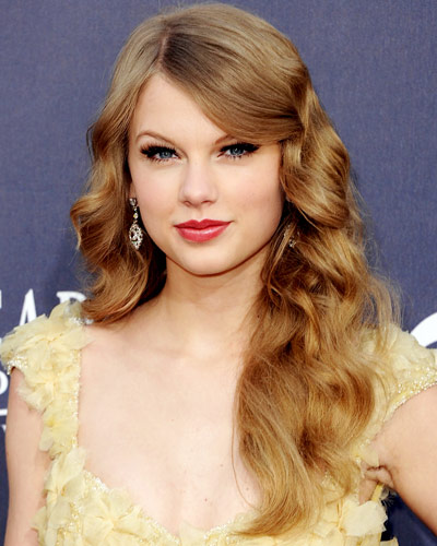Taylor Swift Natural Hair, Long Hairstyle 2011, Hairstyle 2011, New Long Hairstyle 2011, Celebrity Long Hairstyles 2079