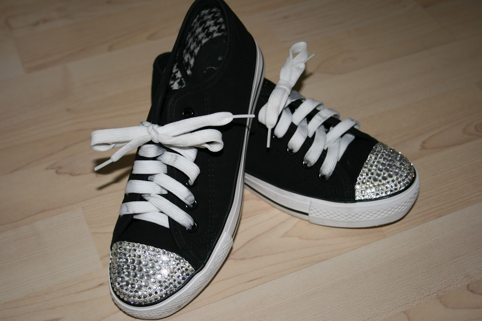 Converse Twinkle Toes Twinkle Toes | How to Crystal