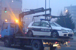 funny pictures towed police car