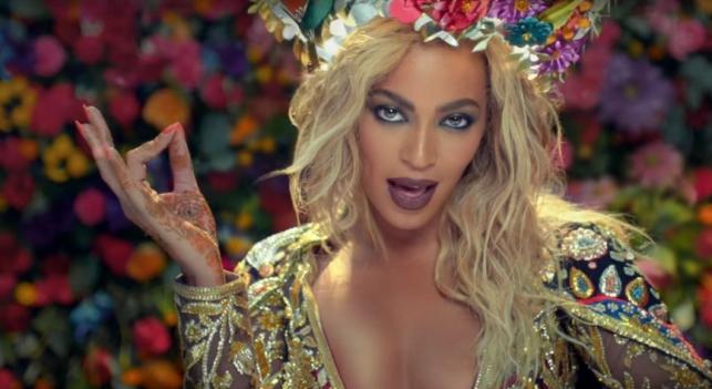 Beyoncé apparaît dans le nouveau videoclip de Coldplay