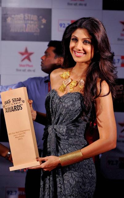 Arshad Warsi, Soha Ali Khan, Boll, Showbiz, BIG, Star, Entertainment Awards, Ceremony, Mumbai, Mahi Gill, Shilpa Shetty, Sonakshi Sinha, Movie, India, Film, Industry, Actress, Actor,