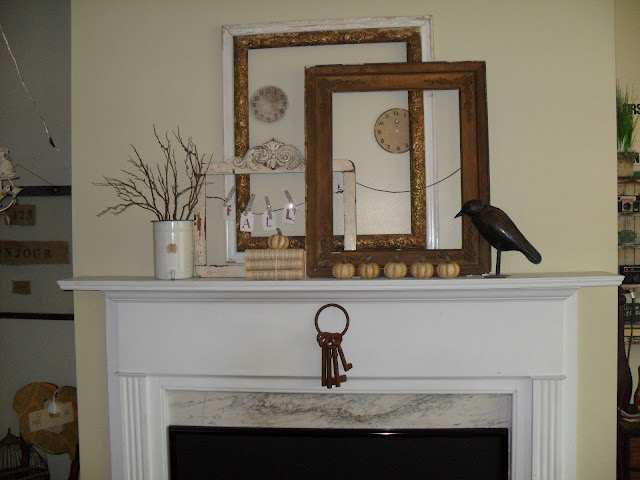 Fall mantel decorating ideas {Features}