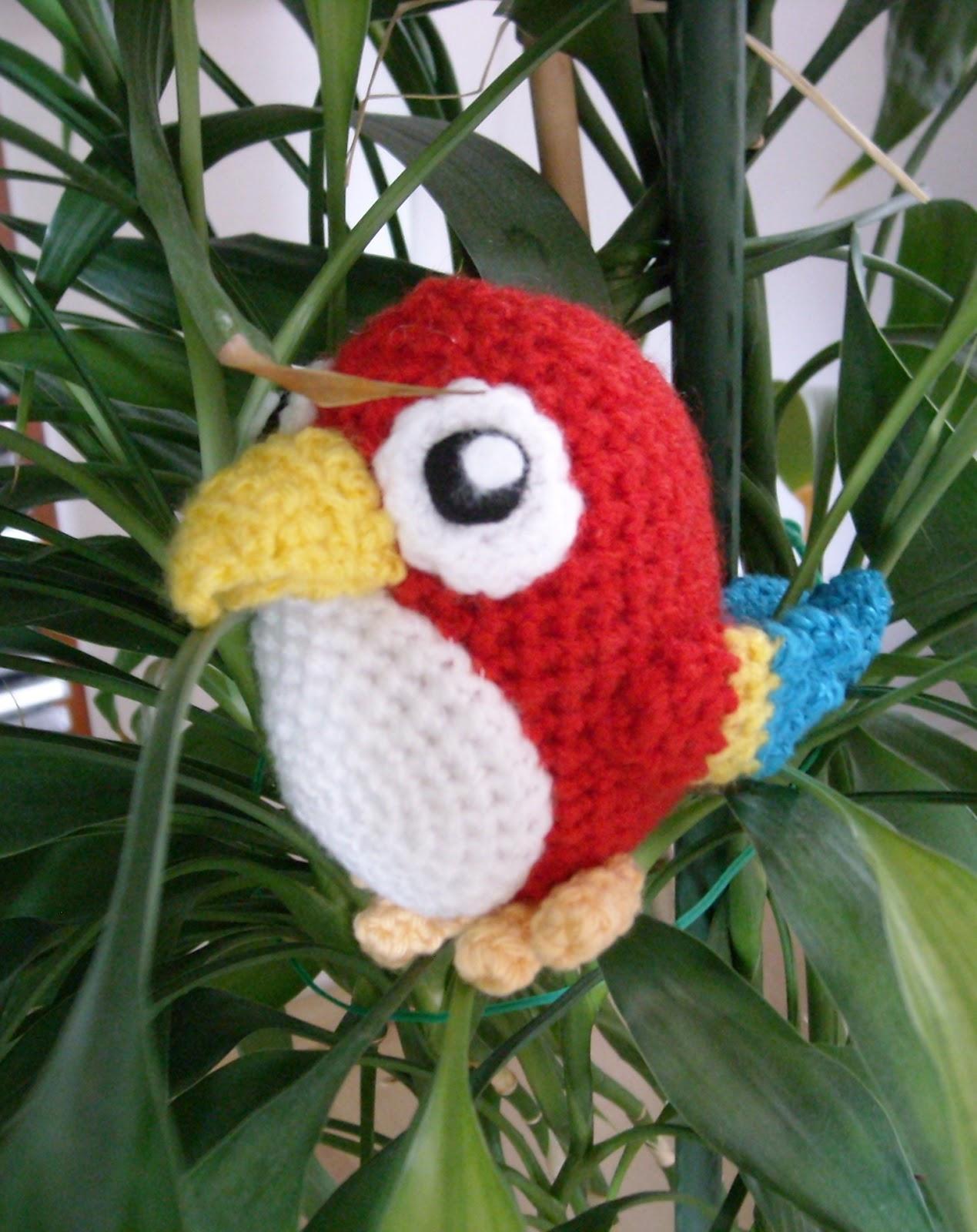 Häkelanleitung Papagei // Crochet pattern Parrot