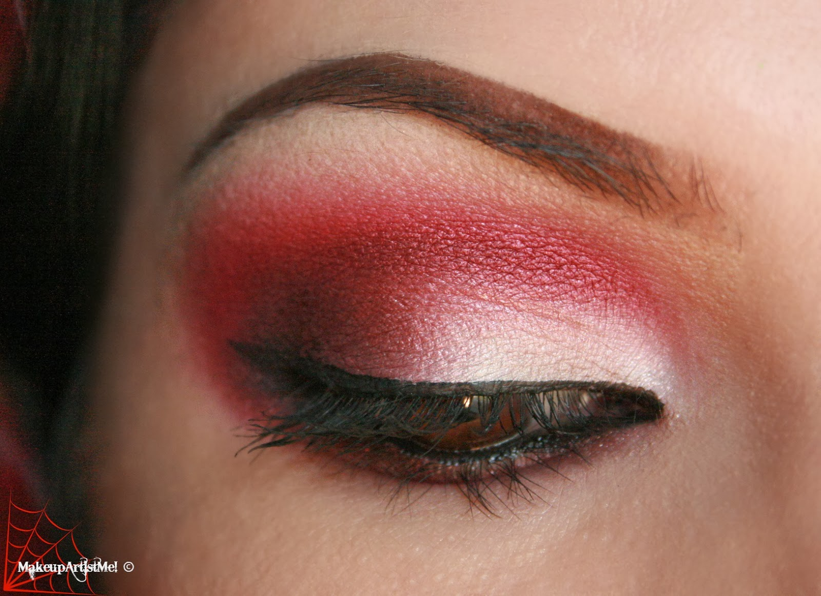 Make-up Artist Me!: Daring! Red eyeshadow makeup tutorial