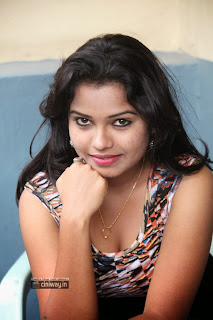 Telugu-Actress-Naveena-Jackson-Latest-Stills