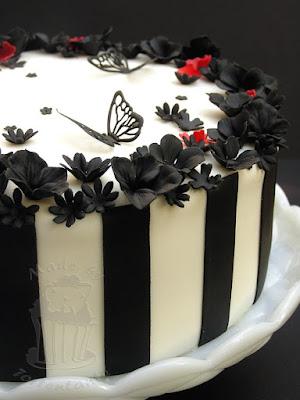 schwarz weiss Torte mit Schmetterlingen