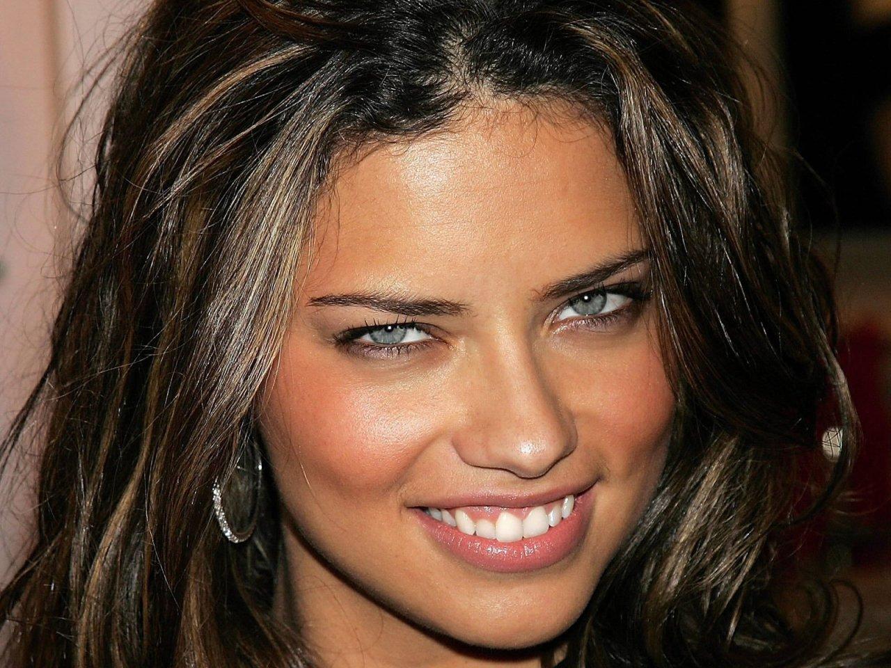 Adriana Lima Saç modeli