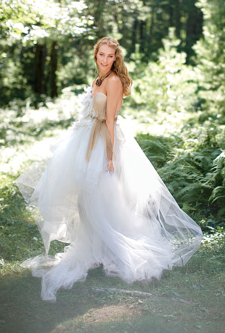 Ethereal tulle simple wedding dresses wedding decoration for Romantic ethereal wedding dresses
