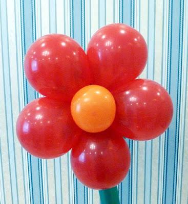 Цветок из круглых шариков