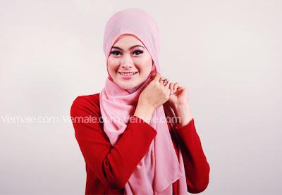 Model Kreasi Hijab Dan Cara Pakai Jilbab Modern Segi Empat Sederhana