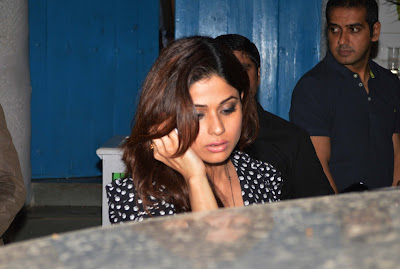 Shahrukh, Malaika & Karans potted outside the Olive